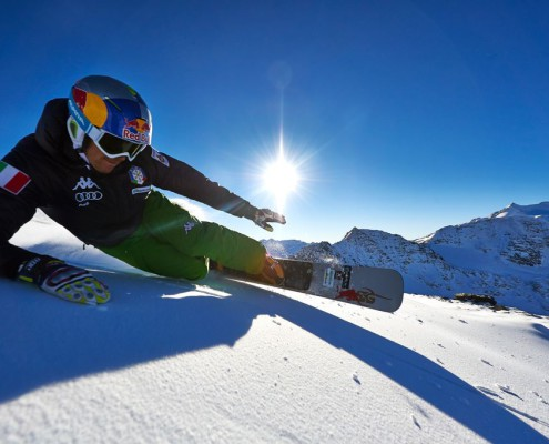 roland fischnaller riding sg snowboards pictury by private